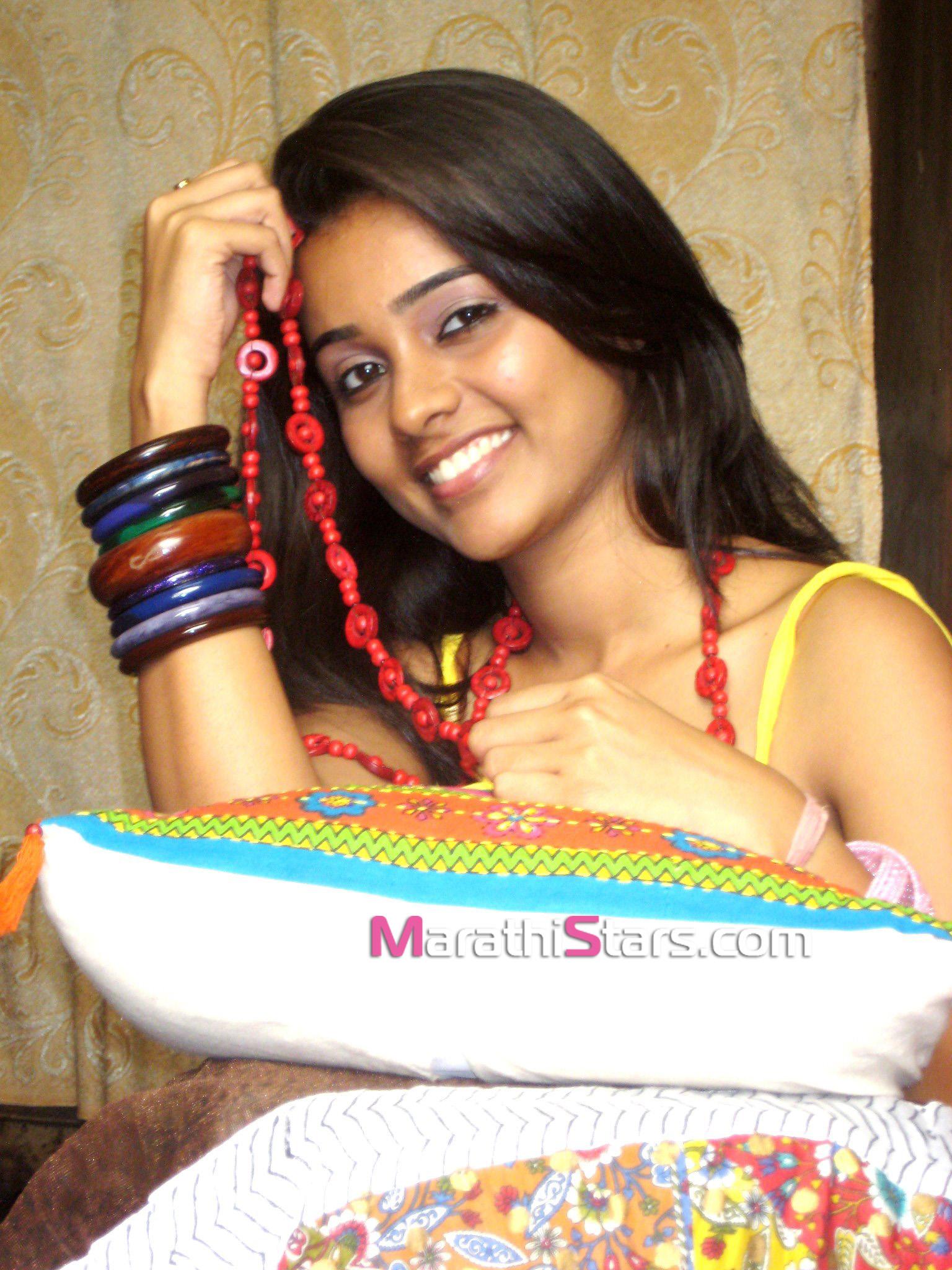 Akshaya Gurav Marathi Actress Photos Biography Wallpapers