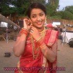apurva-nemlekar-marathi-actress-in-saree-photos-7
