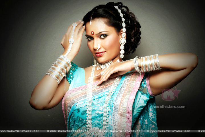 Hemlata Bane Lavani Look Photos (10)