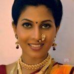 madhavi-kulkarni-actress-in-saree-photos