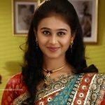 mrunal-dusanis-marathi-actress-in-saree-3