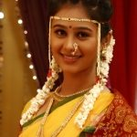 mrunal-dusanis-marathi-actress-in-saree-5