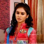 mrunal-dusanis-marathi-actress-in-saree-6