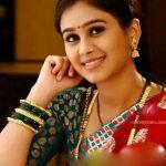 mrunal-dusanis-marathi-actress-in-saree-8