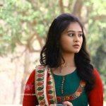 mrunal-dusanis-marathi-actress-wallpapers-2