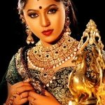 mrunmayee-deshpande-marathi-actress-in-saree
