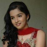 neha-gadre-cute-look