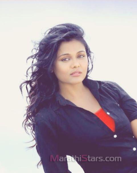 jay-maharashtra-dhaba-bhatinda-actress