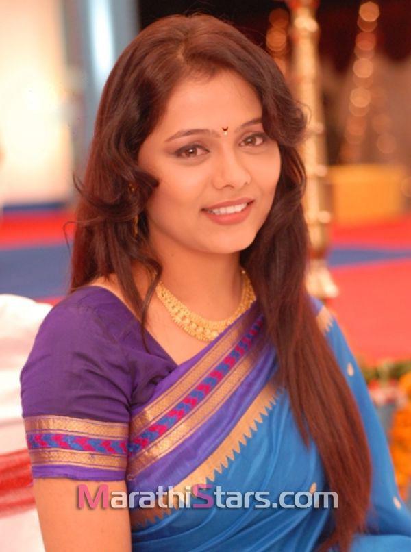 prarthana-behere-marathi-actress-in-saree
