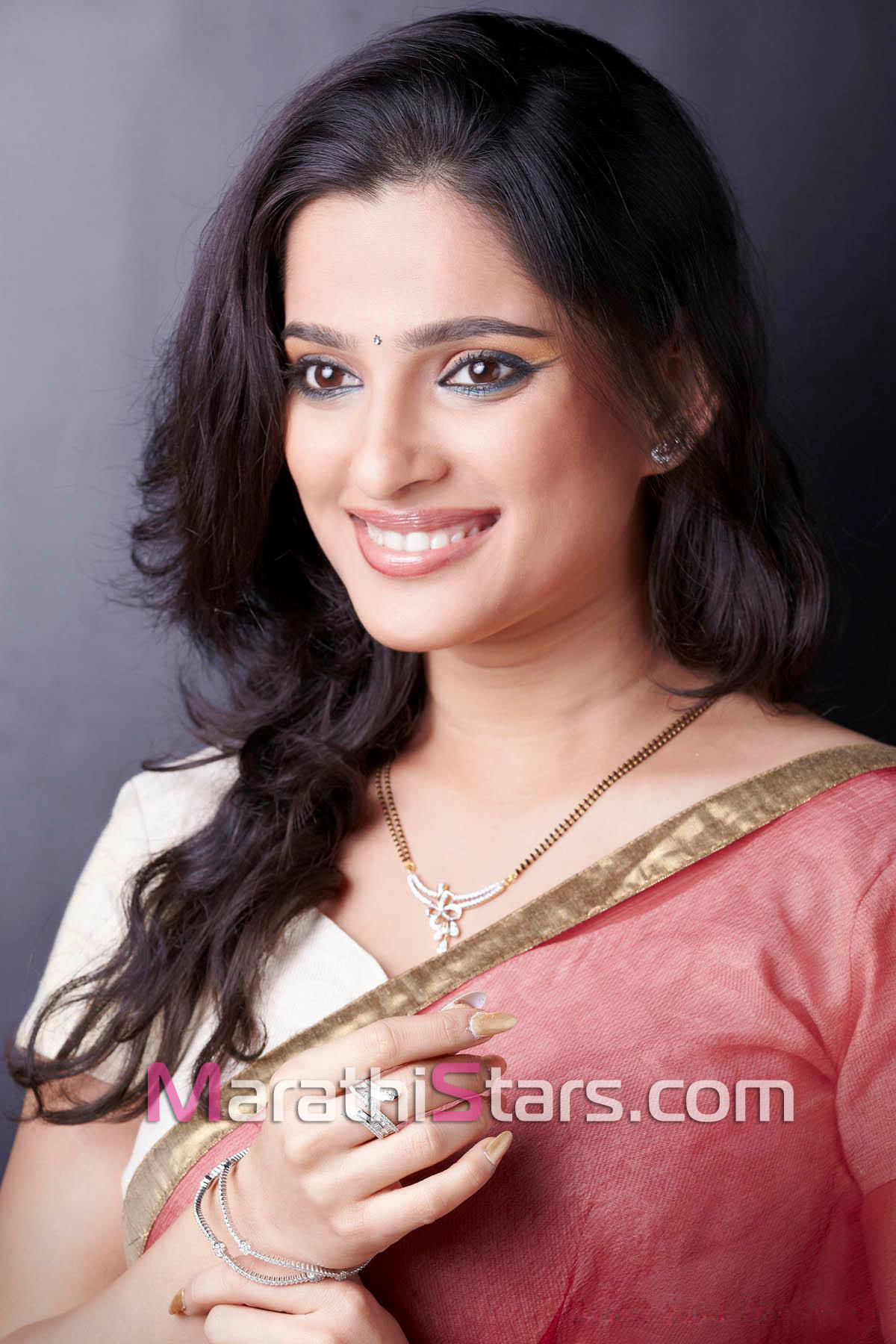 priya bapat net worth