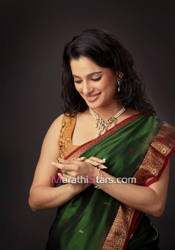 Priya Bapat Marathi igralka fotografije, biografija, ozadja-7249