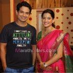 umesh-kamat-with-wife-priya-bapat
