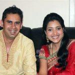marathi-actress-rupali-bhosale-with-husband