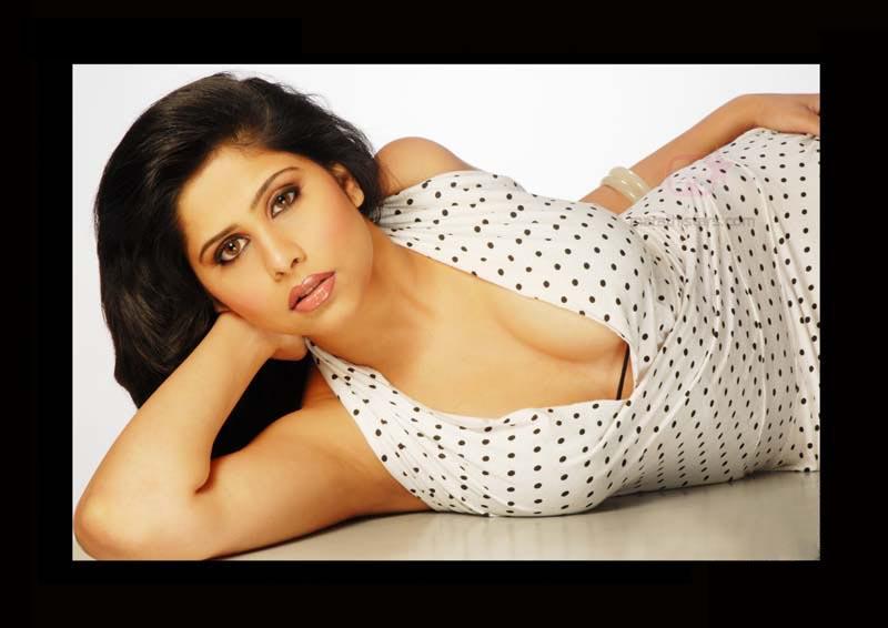 sai tamhankar marathi actress photosbiographywallpapers