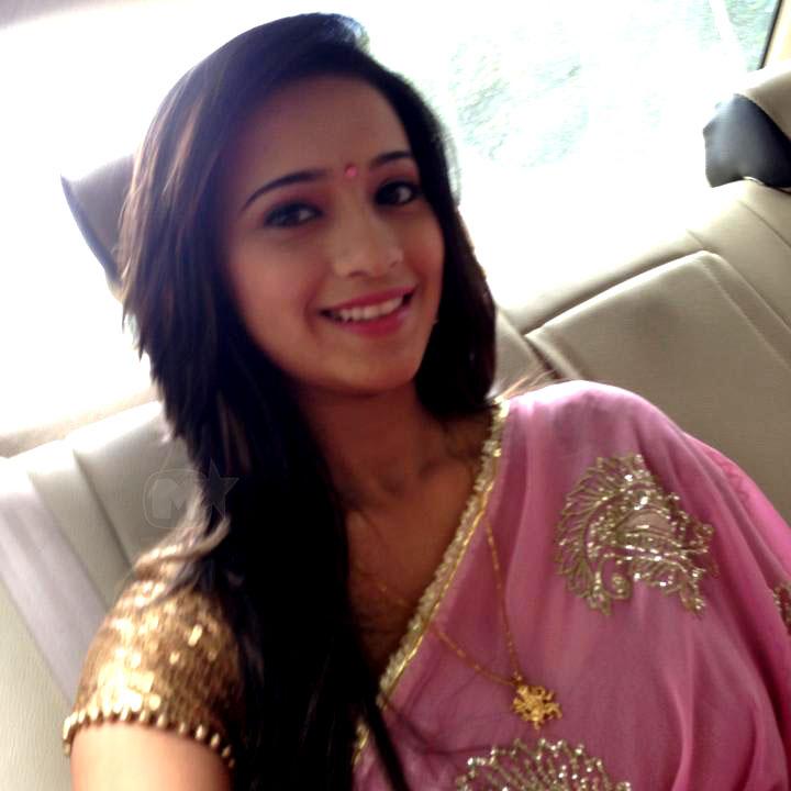 Shivani Surve (Devyani) Marathi Actress Photos,Biography,Sundar Maza ...