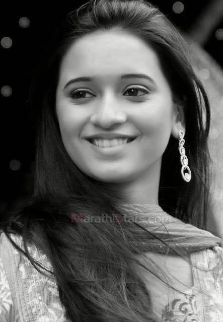 Shivani Surve (Devyani) Marathi Actress Photos,Biography