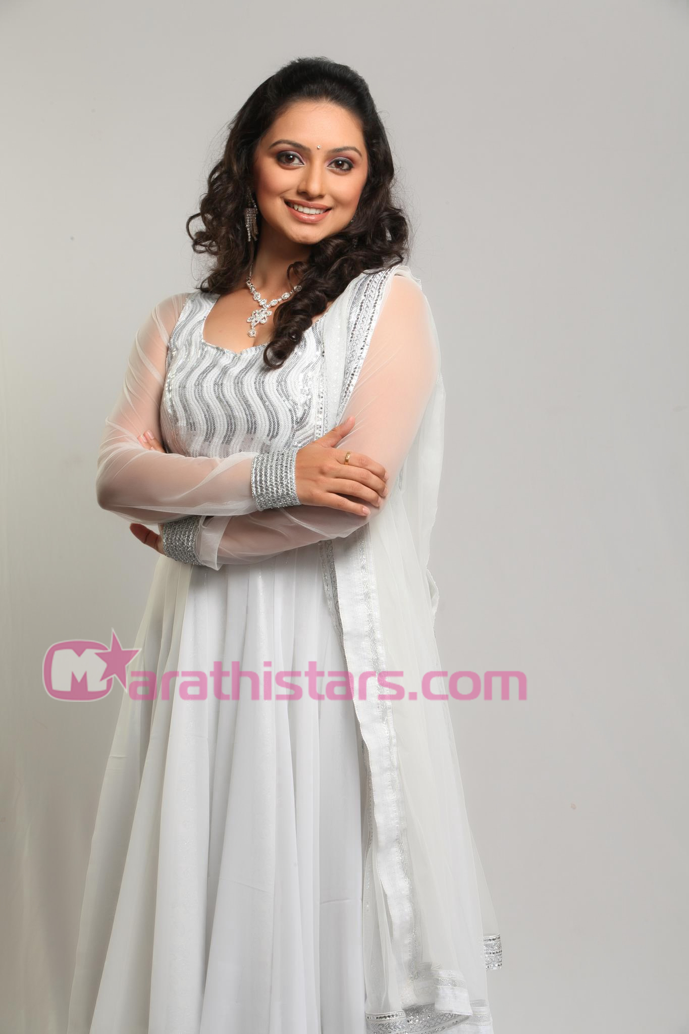 shruti-marathe-actress-zee-marathi-radha-hi-bawari