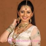 shruti-marathe-marathi-actress-photos-in-sare