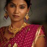 usha-jadhav-marathi-actress-photos-8