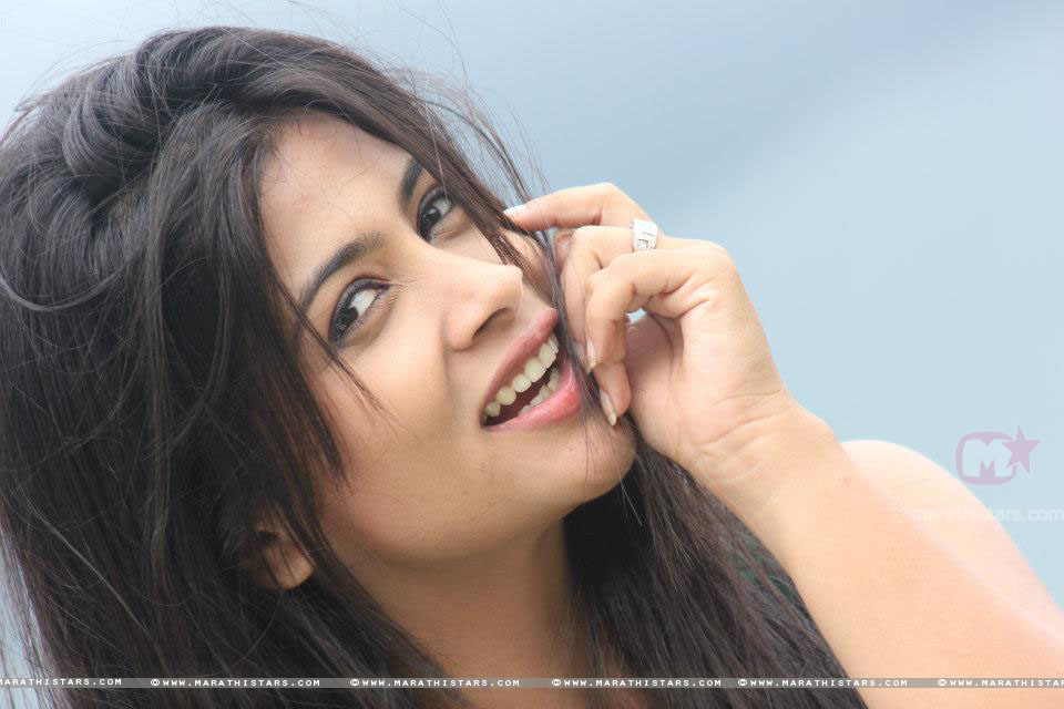 Priya Bapat Hot Kiss