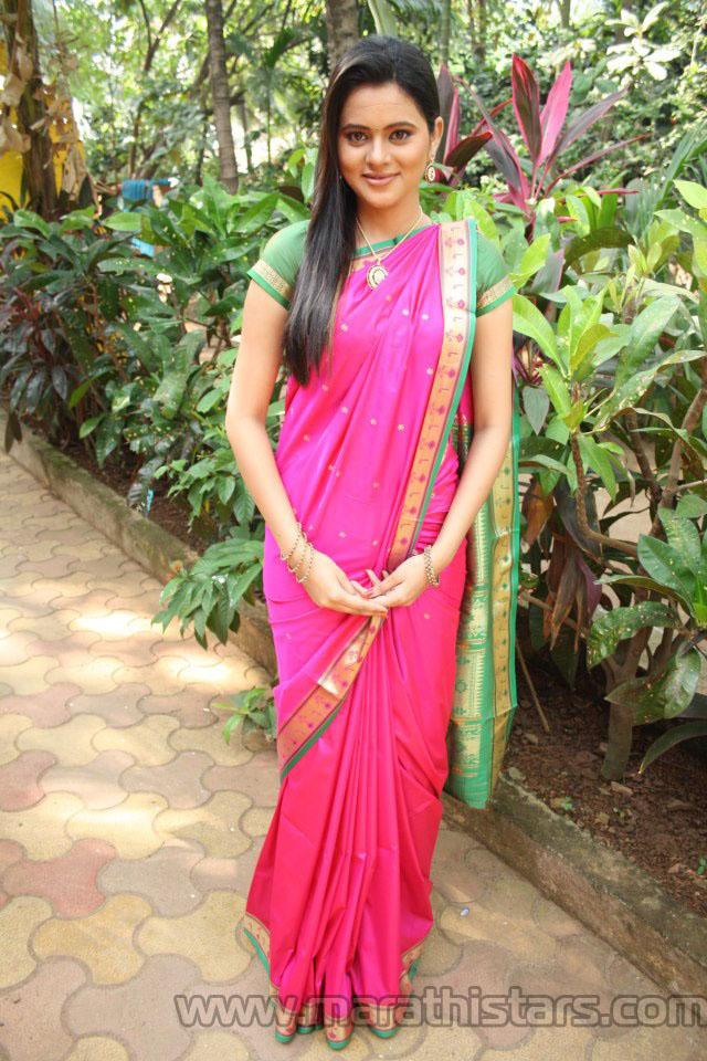 nangi photo of bollywood actress L03W4J2